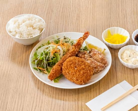 0 hirakata torisho special bento